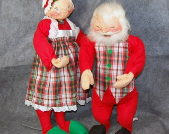 Christmas in July Annalee Santa Claus and Mrs Claus card holders 1980's vintage cloth holiday dolls Meredith NH tagged copyright 1966-1969