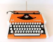 Vintage Office Decor, Olympia Traveller, UNIS tbm De Luxe T, Made in Yugoslavia, Working Typewriter