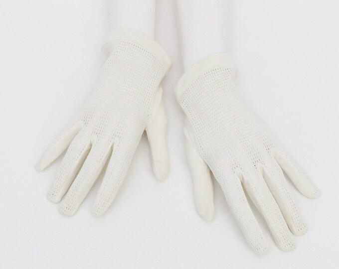 Vintage 1950s White Mesh Driving Gloves
