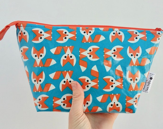 Featured listing image: Baby Foxes wipe clean wash bag