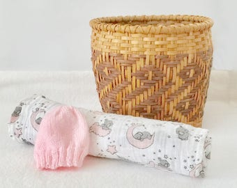Baby swaddle and hat, pink swaddle, double gauze swaddle, baby gauze blanket, baby muslin swaddle, pink baby hat, pink baby swaddle
