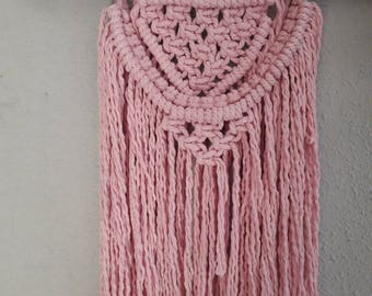 Macrame in Pink