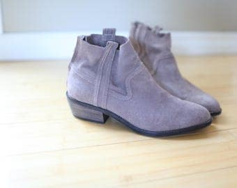 vintage brown suede slip on cowboy ankle boots womens 9