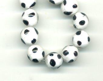 2 beads 12 mm glass white black spots