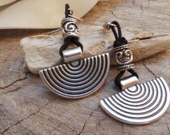 Dangle earrings.Silver earrings. Hypoallergenic earrings. Silver statement earrings. Silver jewelry.