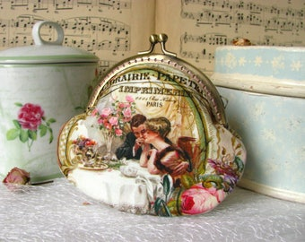 Coin purse clutch with two people in love