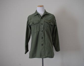 FREE usa SHIPPING men's shirt/ unisex shirt/ vintage military utility shirt/olive green/  cotton sateen utility uniform/ OG 107/ size S