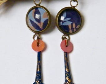 Earrings, dangle, antique brass, glass cabochons