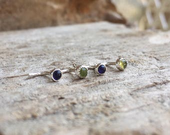 L-bend nose stud in sterling silver with gemstone, 18g