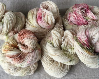 Hand-dyed BFL yarn, made of natural raw materials, high-twist, Speckled, Penelope