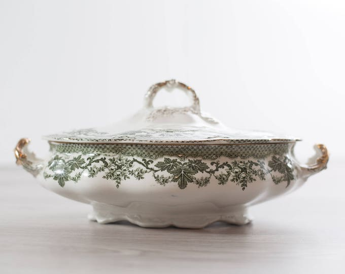 Vintage Soup Tureen / Ceramic Green and White  and Gold Casserole Dish / Leafy Ornate Gold Gilded Floral Pattern Design Ceramic Lidded Pot