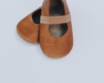 ballet flats / soft soled shoes / baby moccasin moccs / caramel