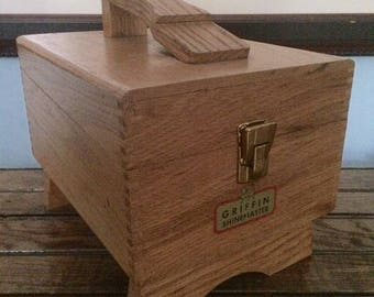 Griffin Shoe shine box with brass details with shoe shine accessories
