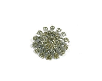 Vintage Estate Jewelry Medium Size Snowflake Pin Brooch Clear Stones