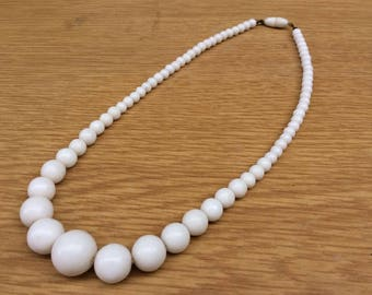 Vintage White Glass Bead Graduated Costume Necklace