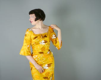 DEADSTOCK 60s floral dress in vivid YELLOW  print - cute BELL sleeves and fitted cut -Mid Century summer dress - M