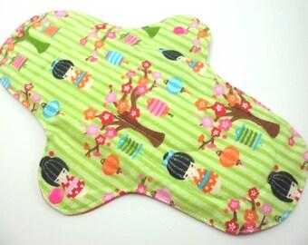"Cloth pad heavy/night time 10.5"". Flannel,towelling,PUL. Geisha lanterns print."