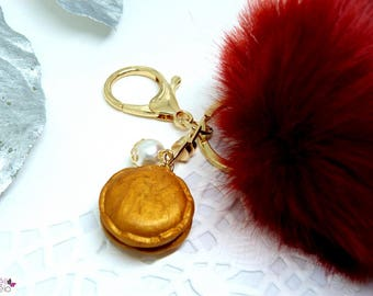 Fluffly Burgundy and gold macaron keychain
