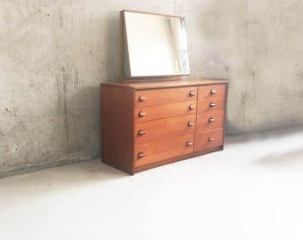 1960's mid century Stag Cantata 8 drawer chest of drawers with mirror by John & Silvia Reid