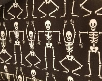 Halloween black and white skeleton leggings