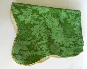 Vinyl square avocado green floral scalloped tablecloth