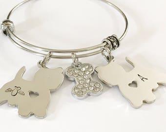 Dog mom - Hand stamped bracelet - Dog mom jewelry - Dog mom bracelet - Gift for dog lover - Mom of dogs - Hand stamped gift