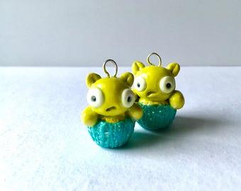 Kuchi Kopi Cupcake Muffin charm kawaii cute nerd geek jewelry Louise green alien - nerdcake