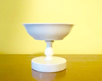 Ceramic Pedestal Soap Dish; Marble Base; Approx. 4.25 x 5 in. Elegant !!!