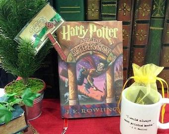 ON SALE Book Lovers Mug / J K Rowling Quote Mug / Just One More Chapter Mug / Book Lover Gift / Reader Mug / Book Quote Mug