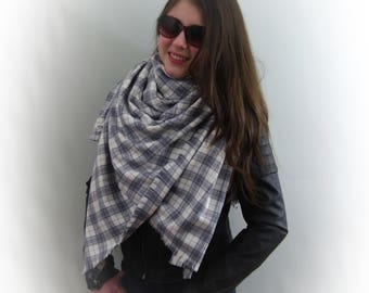 Plaid 100% Cotton Oversized Blanket Scarf in Gray and Off-White, Flannel Scarf, Tartan Scarf