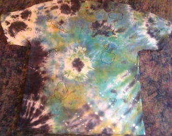 Men's Size XL Tie Dye T-Shirt with Fruit and Veggies, short sleeves