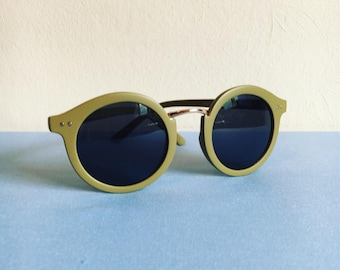 90s olive green round sunglasses