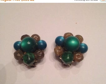 SALE Vintage Green Bead Cluster Earrings Costume Jewelry