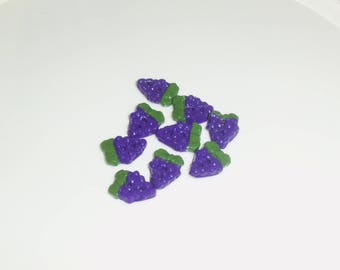 Set of 5 buttons bunches of grapes