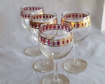 Set of 4 Culver Cranberry Scroll Wine Glasses