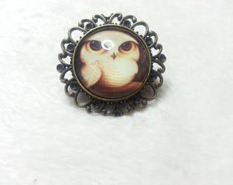 Round brooch OWL with big eyes