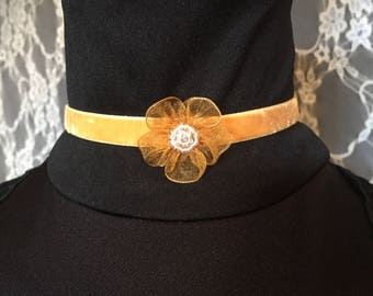Vintage Yellow Flower Choker
