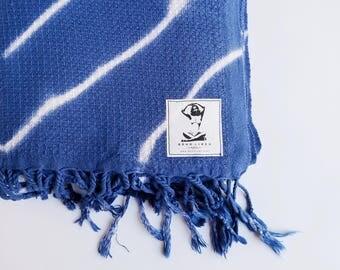 INDIGO BATIK Square Pattern Boho Turkish Towel, Waffle Weave Turkish Towel, Diamond Pattern Batik Hand Dyed Towel, Turkish Towel, Peshtemal