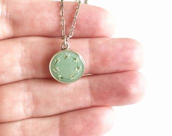 Mint/silver daisy chain pendant necklace • pendant necklace, gifts for her, dried flower necklace