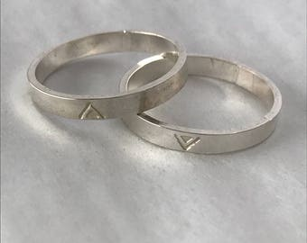 Simple, recycled, triangle detail 3mm sterling silver band. Hand made in Toronto. Sustainable stacking ring