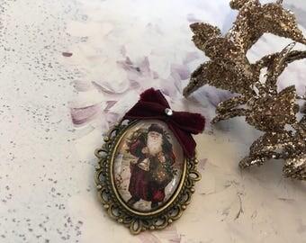 brooch romantic Christmas vintage