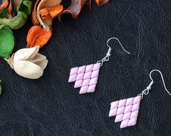 Pink Beaded earrings - Gift for her, Woven earrings, Beadwork earrings, Dangle earrings, Classic earrings, Beaded jewelry, Casual earrings