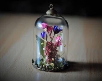 The flesh Florescences * vial terrarium necklace, bronze wild flowers and natural stone