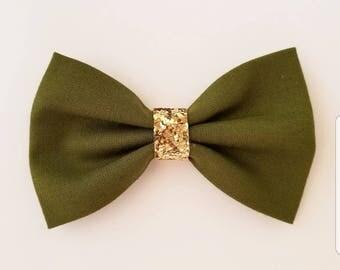 Olive hair bow/ olive green hair bow/ green hair bow/ girls hair bows / hair bow / toddler hair bow/ hair bows / baby headband / headband