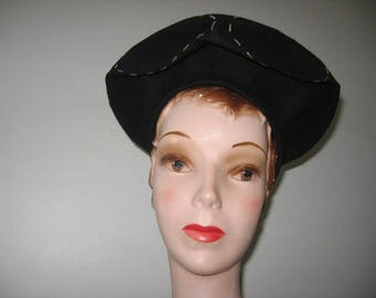 1940's Black Wool Felt Halo Beret, a New York Creation!