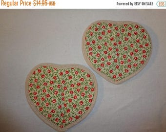 40% Kitsch Retro Red Floral Oven Mitt - Oven Mitts - Pot Holders - Kitchen Decor - Set of 2