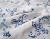 Vintage linen circle tablecloth. Blue and white tablecloth with hand embroidered paisley pattern. Perfect for a pretty afternoon tea party