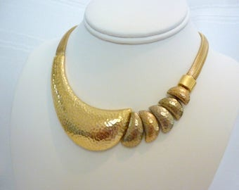 Vintage Retro Trifari Snake Chain Choker with Hammered Gold and Multi Toned Crescent Design
