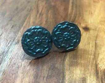 20mm Floral Stud Earrings