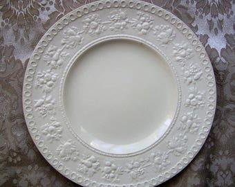 """Wedgwood """"Wellesley"""" Luncheon Plate"""